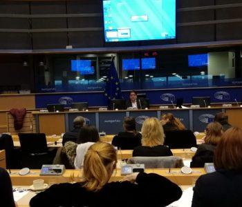 20171121-Gambus-Fundacio-AROA-al-Parlament-Europeu